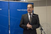 Dr. Navracsics Tibor, miniszterelnök-helyettes ünnepi beszédet mond